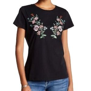 Romeo + Juliet Couture Floral Embroidered Tee